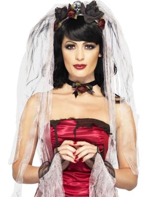 Gotiskās līgavas komplekts -  plīvurs uz stīpiņas ar rozēm un galvaskausu, kaklarota un cimdi