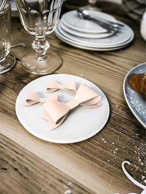 6 gab, Papīra dekorācija bante, gaiši rozā, 8 x 2.6 cm