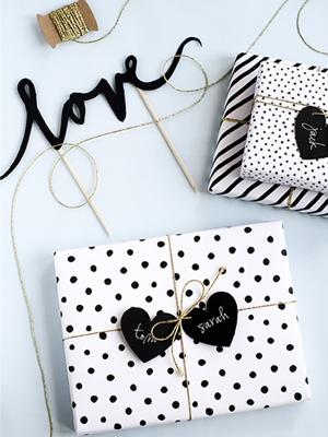 Tortes dekors Love, melns, 17 cm
