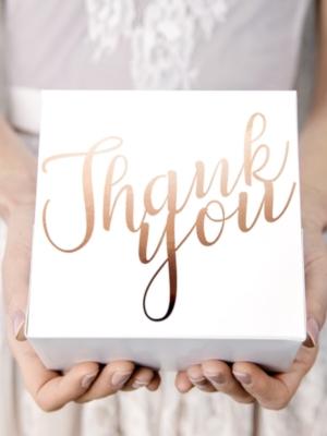 10 gab, Tortes kastīte Paldies, balta ar rozā zeltu, 14 x 8.5 x 14 cm