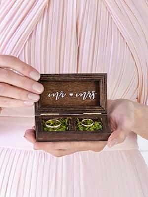 Koka kastīte kāzu gredzeniem, 10 x 5.5 cm