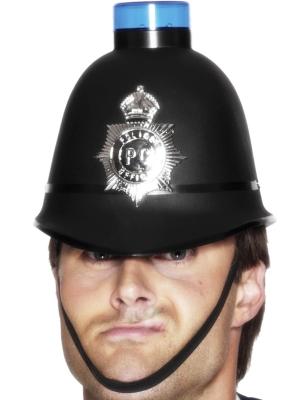Policista cepure ar mirgojošu gaismu